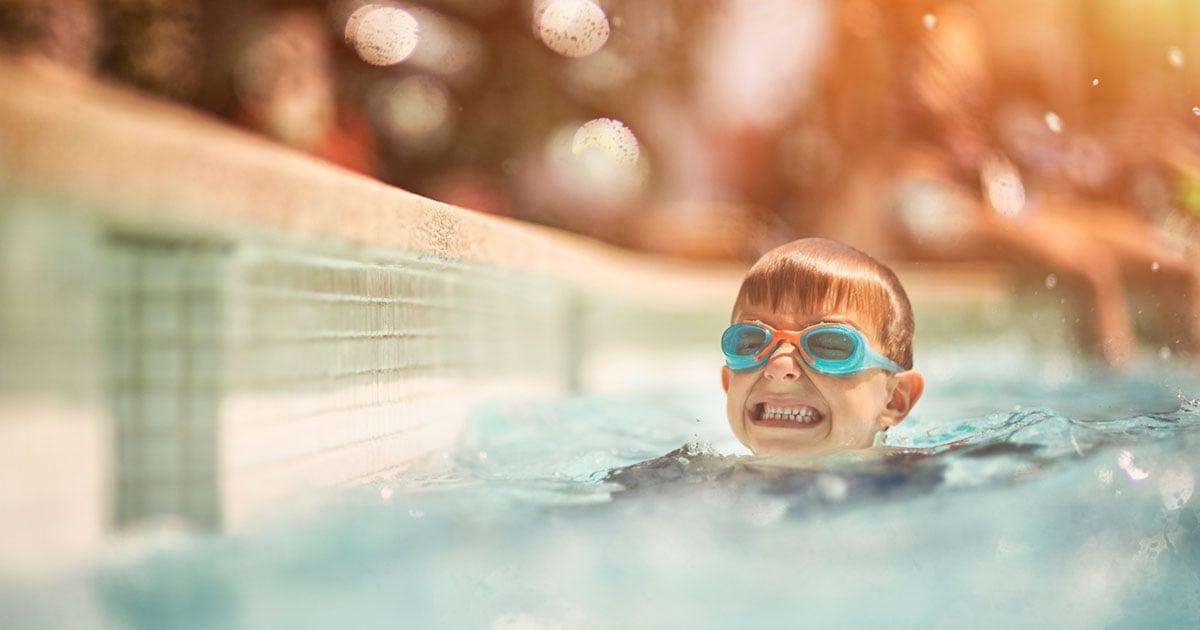 A ciência comprova os benefícios da natação para as crianças
